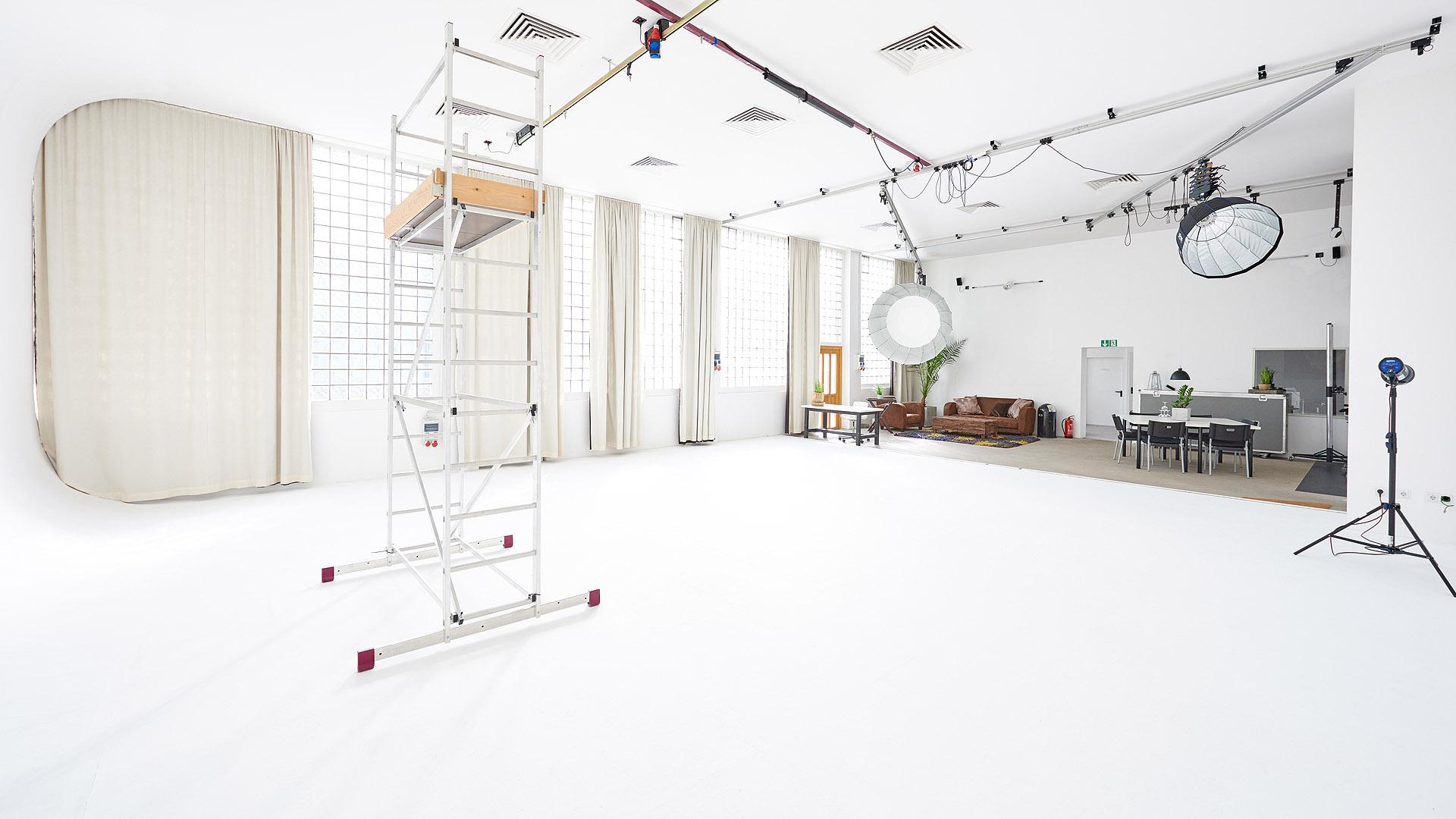 Blick in Studio 1 aus Richtung der Hohlkehle